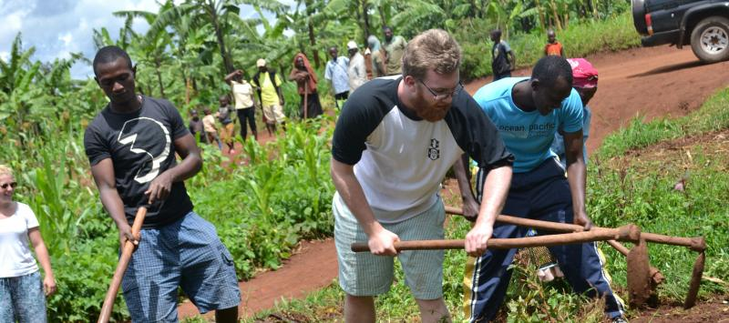 Volunteers making a kitchen garden in Rwanda