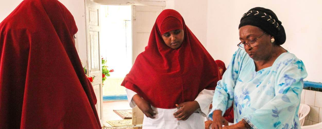 Edna Adan carries out community midwife training in Berbera Hospital, Somaliland